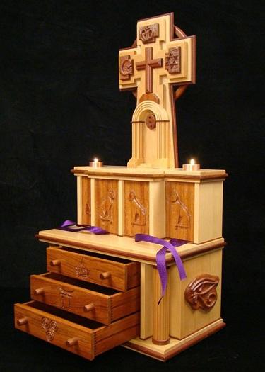 3- Nguyên tắc thiết kế bàn thờ Chúa trong phòng khách cần lưu tâm